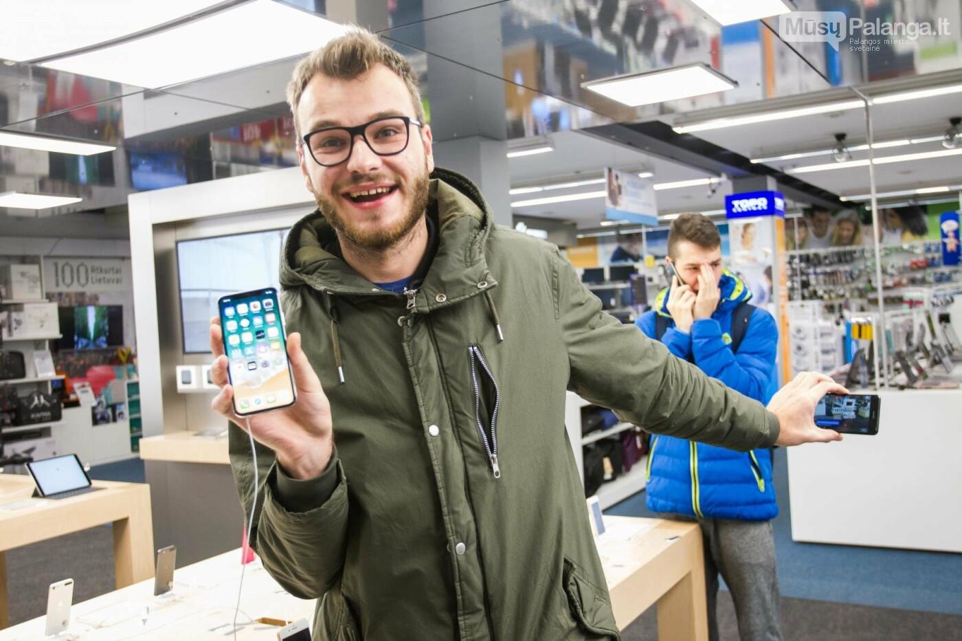 Uždanga nukrito: geidžiamiausias metų telefonas sutraukė dešimtis fanų , nuotrauka-20