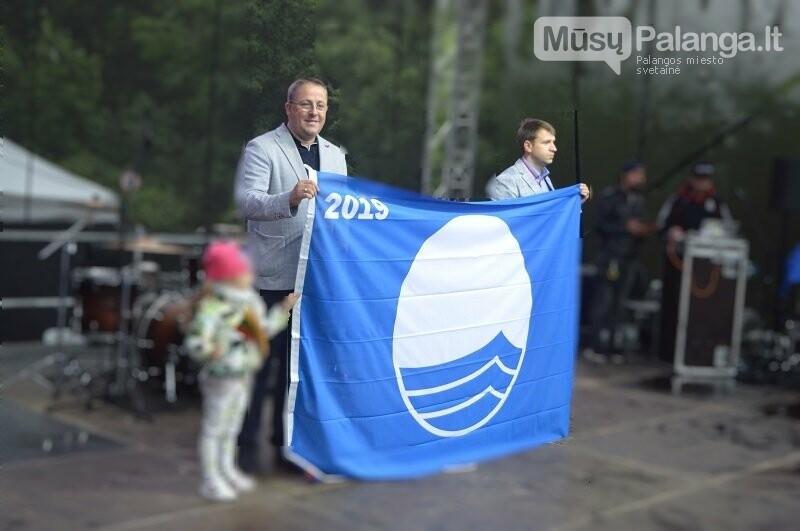 Palangos Birutės parko paplūdimyje plevėsuoja Mėlynoji vėliava, nuotrauka-1, Palangos miesto savivaldybės nuotr..