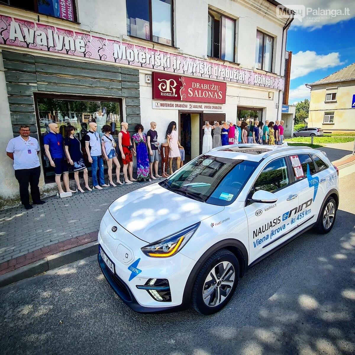 Naujas rekordas: elektromobiliu aplink Lietuvą per 22 valandas, nuotrauka-1, Vytauto PILKAUSKO ir rekordo autorių nuotr.