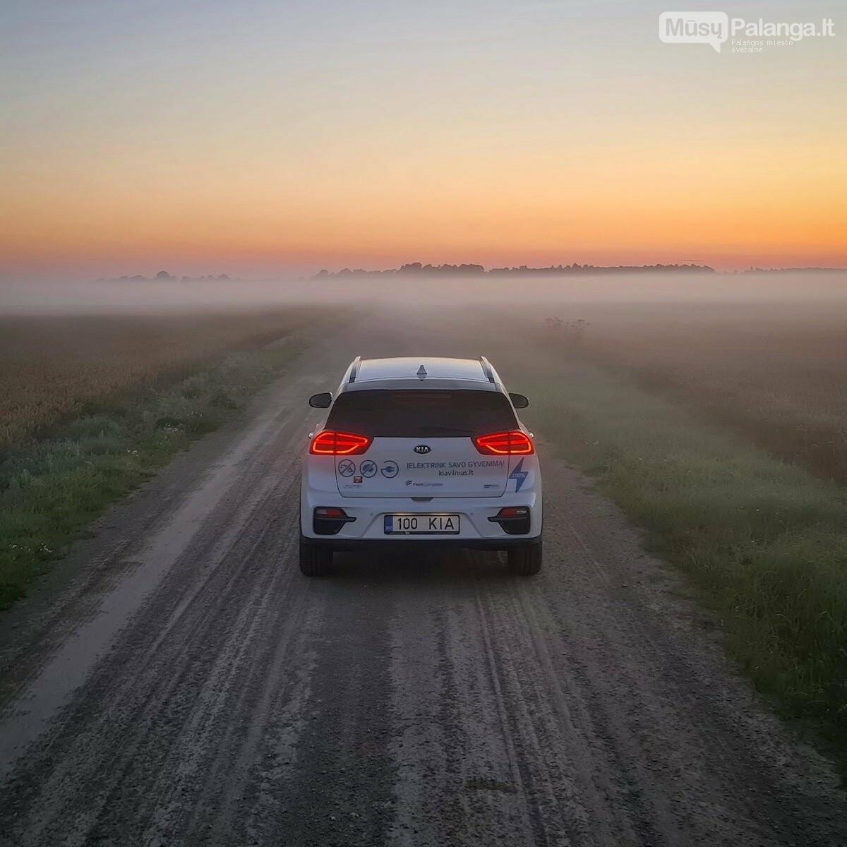 Naujas rekordas: elektromobiliu aplink Lietuvą per 22 valandas, nuotrauka-4, Vytauto PILKAUSKO ir rekordo autorių nuotr.