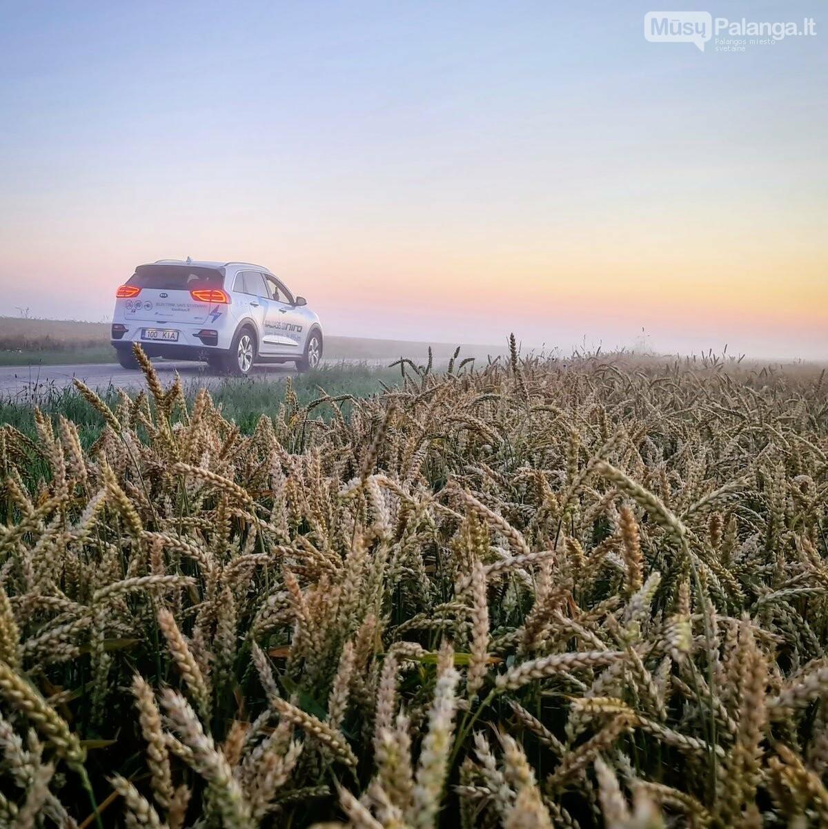 Naujas rekordas: elektromobiliu aplink Lietuvą per 22 valandas, nuotrauka-6, Vytauto PILKAUSKO ir rekordo autorių nuotr.