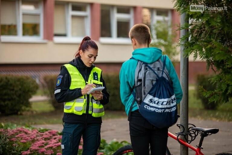Prie Palangos mokyklų – policijos reidai: tikrina, ar moksleiviai laikosi taisyklių  , nuotrauka-1