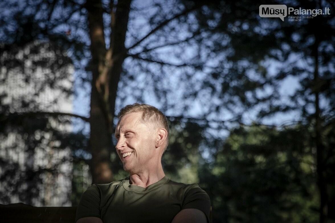 Karinių oro pajėgų paieškos ir gelbėjimo sraigtasparnio įgulos vadas Suomis, antrasis pilotas Maestro, gelbėtojas Paukštelis ir gydyto..., nuotrauka-4