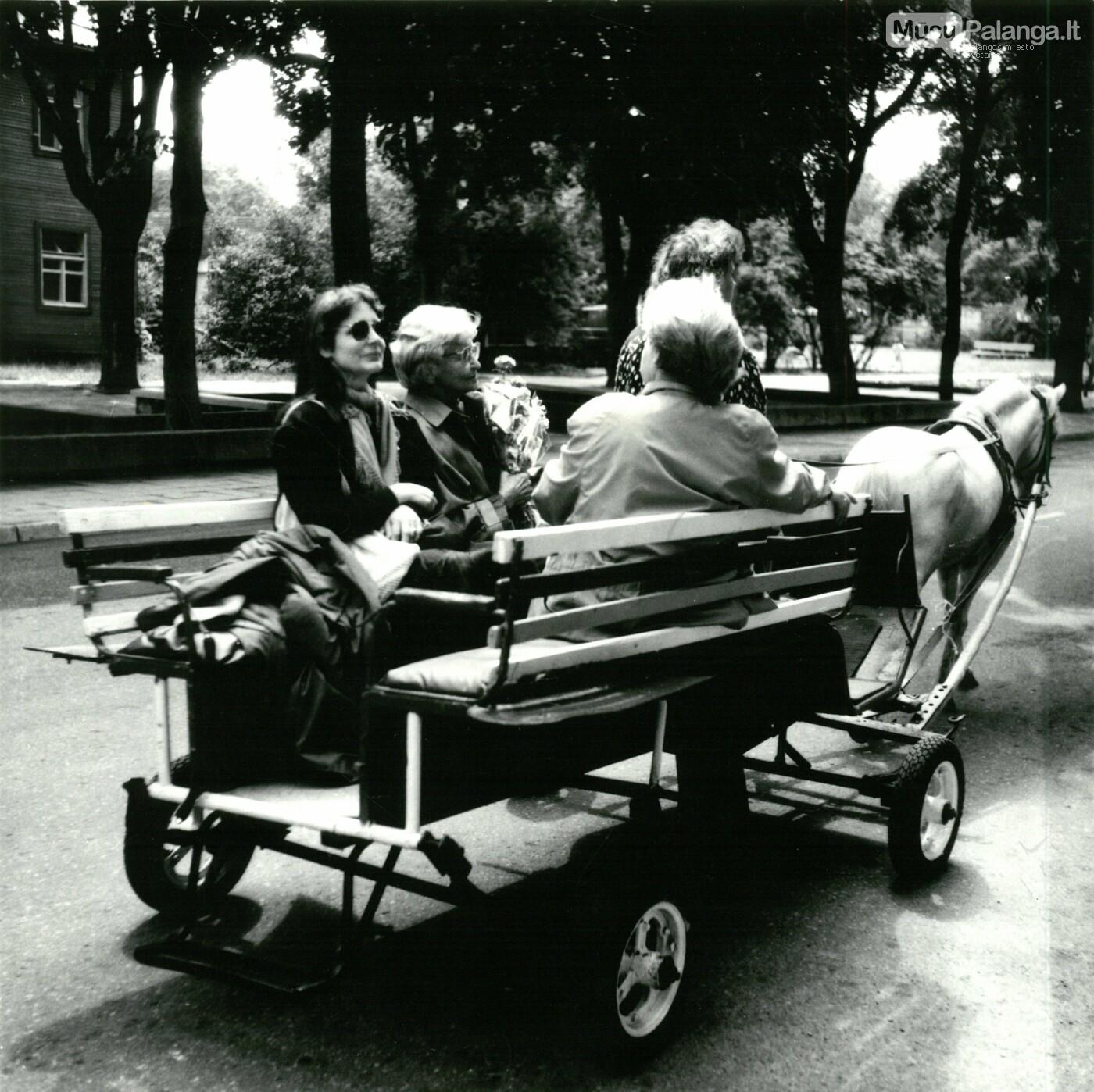 1993 m. Marijos Aleksaitės-Gimbutienės apsilankymas Palangoje., Algirdo Tarvydo nuotr./ Iš Palangos kurorto muziejaus fondų