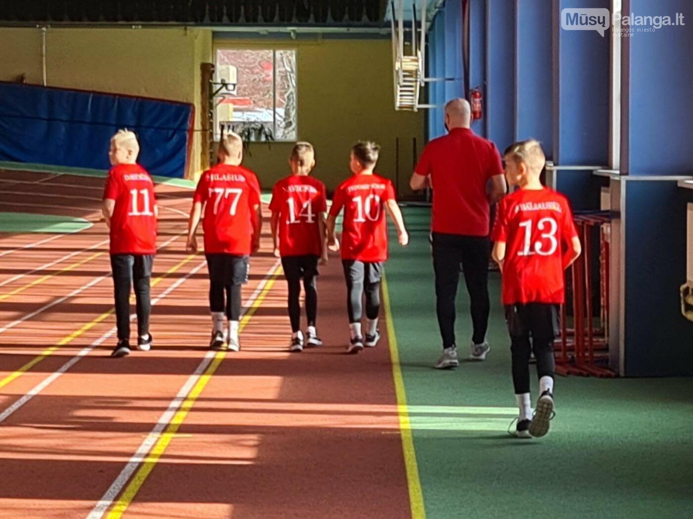 """Futbolo akademija """"Gintaras"""" pradeda bendradarbiavimą ir partnerystę su """"Dubey kineziterapija ir sportas"""" organizacija, nuotrauka-3"""