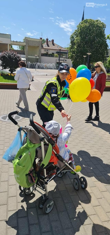 Tarptautinę vaikų gynimo dieną – pareigūnų sveikinimai mažiesiems, nuotrauka-3