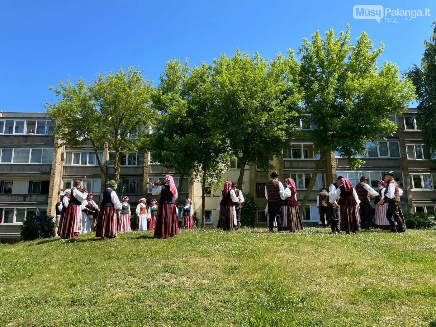 Netikėti bendruomenės susitikimai. Džiaugsmo kiemas, nuotrauka-7