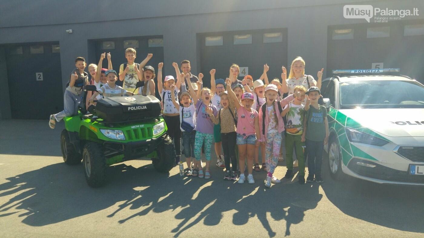 """Palangos """"Baltijos""""  pagrindinės mokyklos 1 – okai aplankė Palangos policijos komisariatą, nuotrauka-4"""