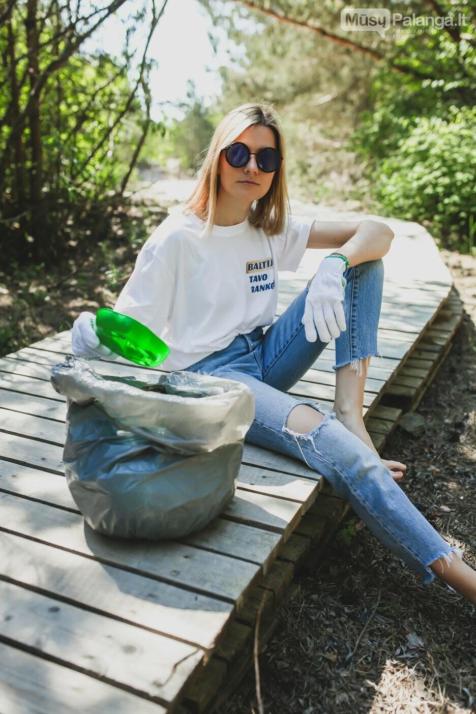Žinomos moterys skatina šią vasarą švarinti Baltijos pajūrį: tarp kopose rastų šiukšlių – medicininės kaukės ir puodo dangtis, nuotrauka-3