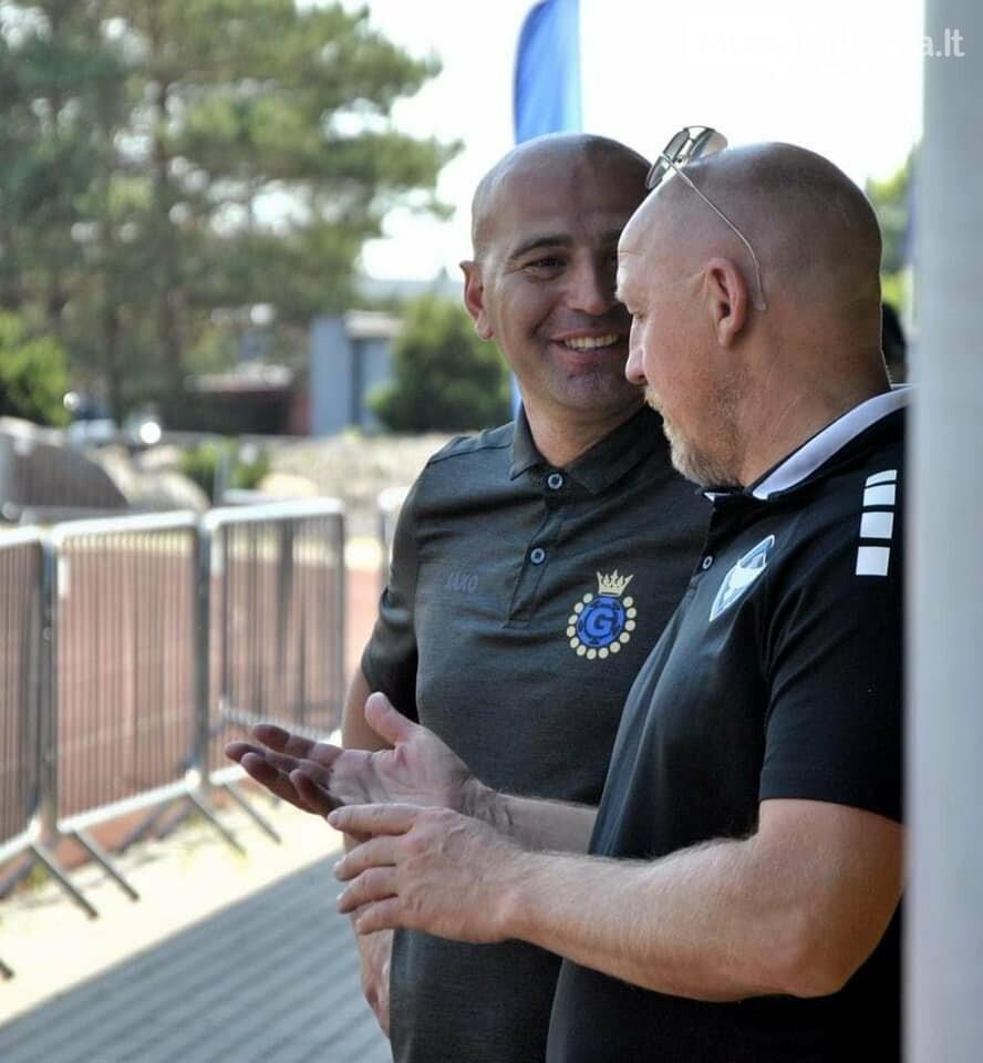 futbolo legenda Aurelijus Skarbalius ir treneris M. Balasanovas.