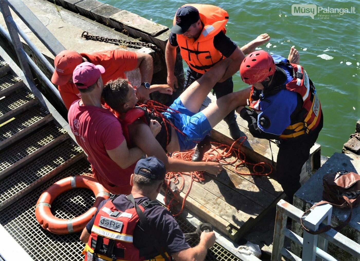 Prie Palangos jūros tilto imituota laivo avarija – vyko gelbėjimo darbų jūroje pratybos, nuotrauka-6