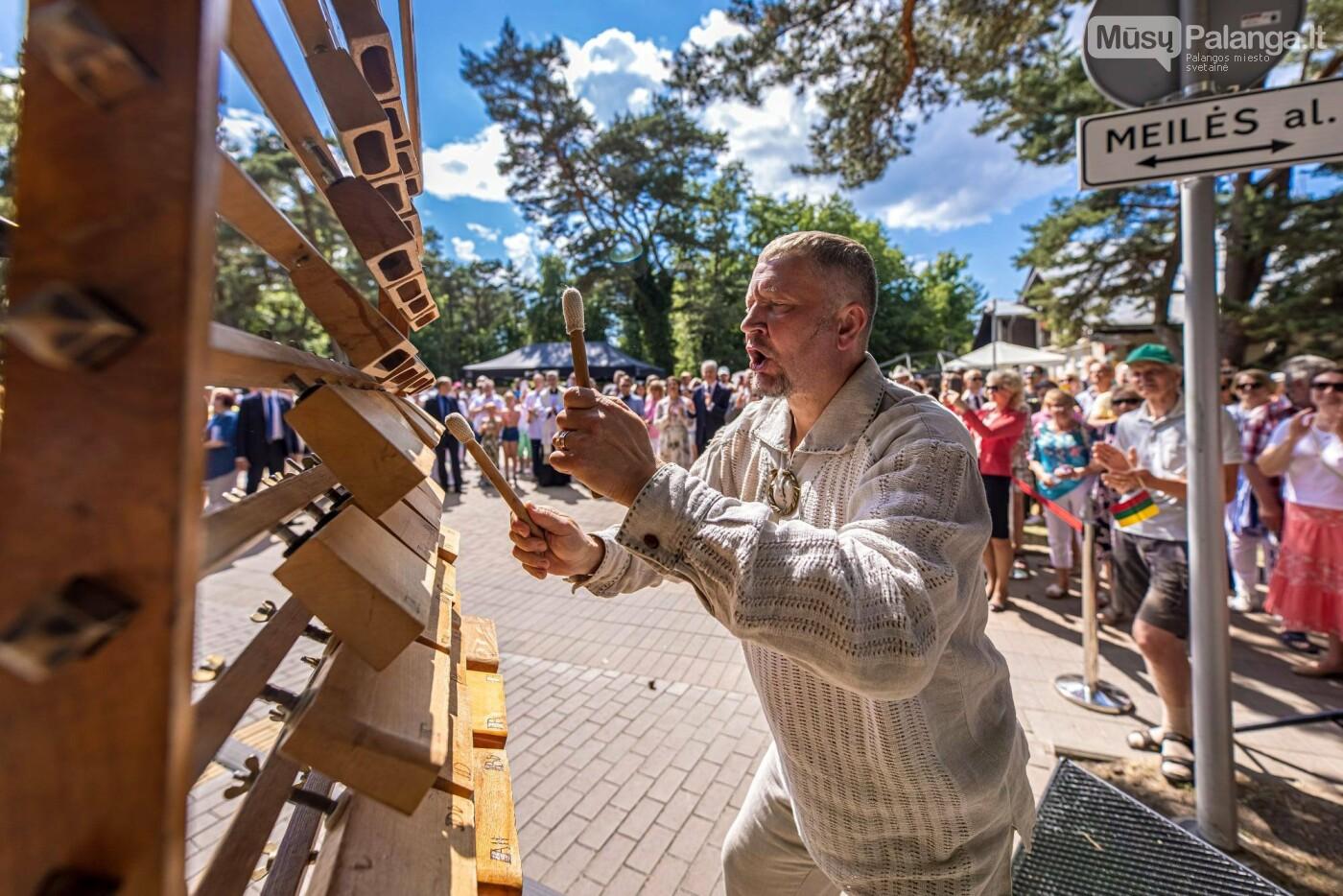 Skulptūros, skirtos Dž. J. Simpsonui ir Derybinei grupei dėl Palangos grąžinimo Lietuvai įamžinti, atidarymas, nuotrauka-1