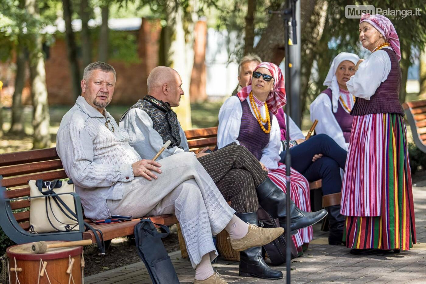 Skulptūros, skirtos Dž. J. Simpsonui ir Derybinei grupei dėl Palangos grąžinimo Lietuvai įamžinti, atidarymas, nuotrauka-4
