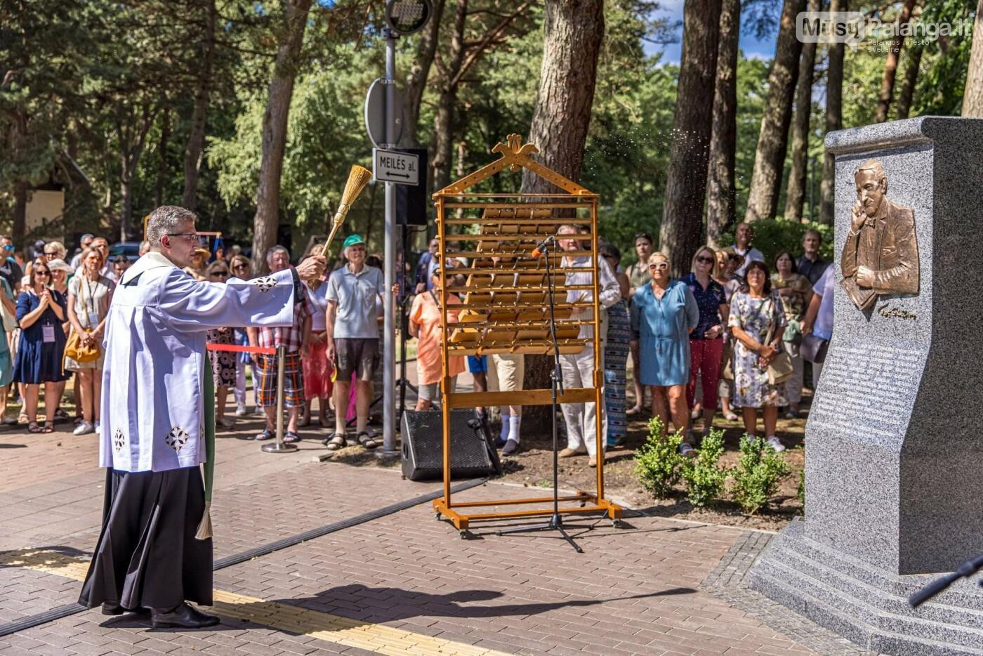 Skulptūros, skirtos Dž. J. Simpsonui ir Derybinei grupei dėl Palangos grąžinimo Lietuvai įamžinti, atidarymas, nuotrauka-10