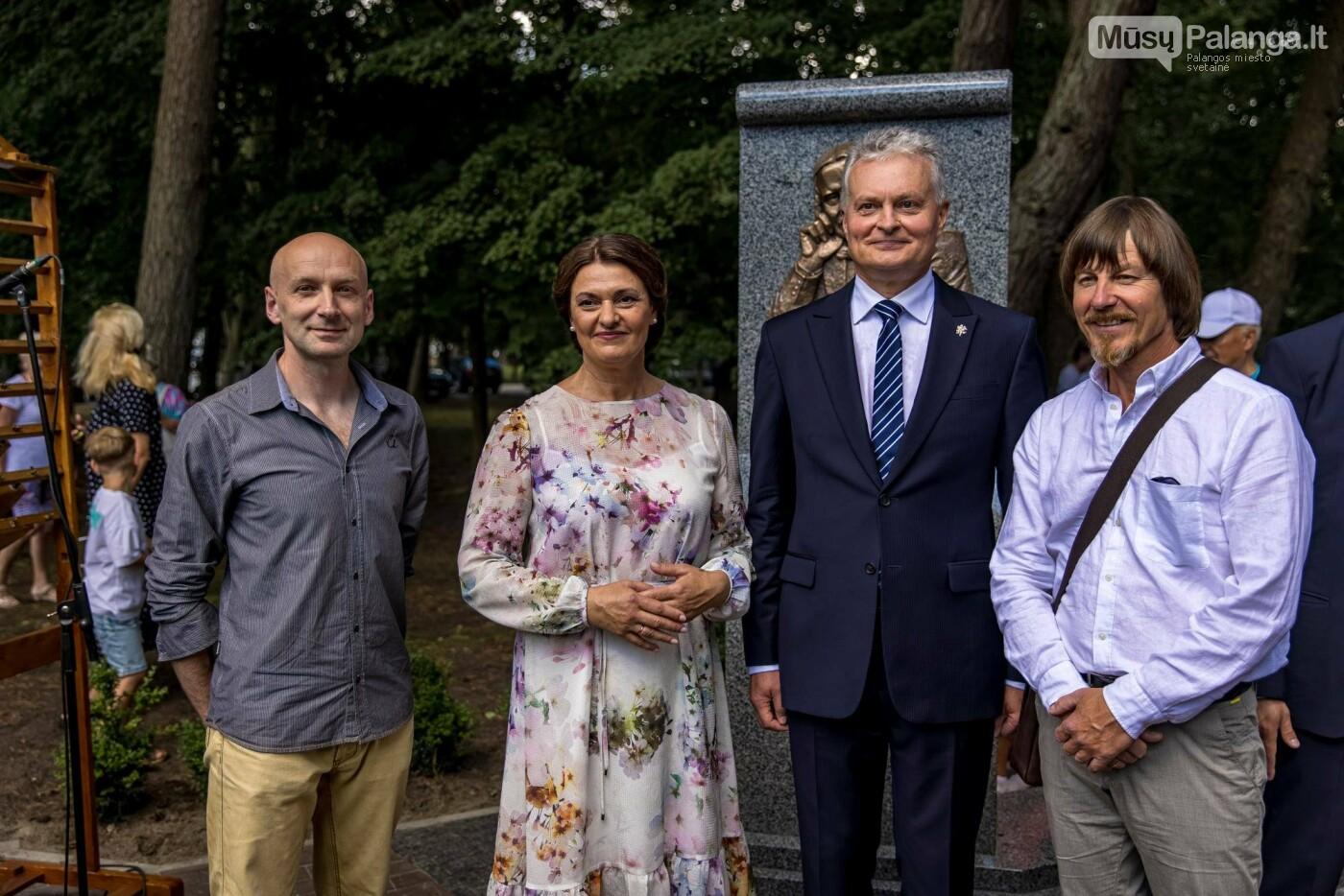 Skulptūros, skirtos Dž. J. Simpsonui ir Derybinei grupei dėl Palangos grąžinimo Lietuvai įamžinti, atidarymas, nuotrauka-7