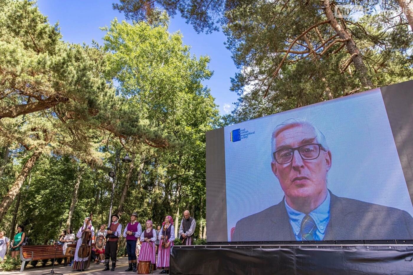 Skulptūros, skirtos Dž. J. Simpsonui ir Derybinei grupei dėl Palangos grąžinimo Lietuvai įamžinti, atidarymas, nuotrauka-14