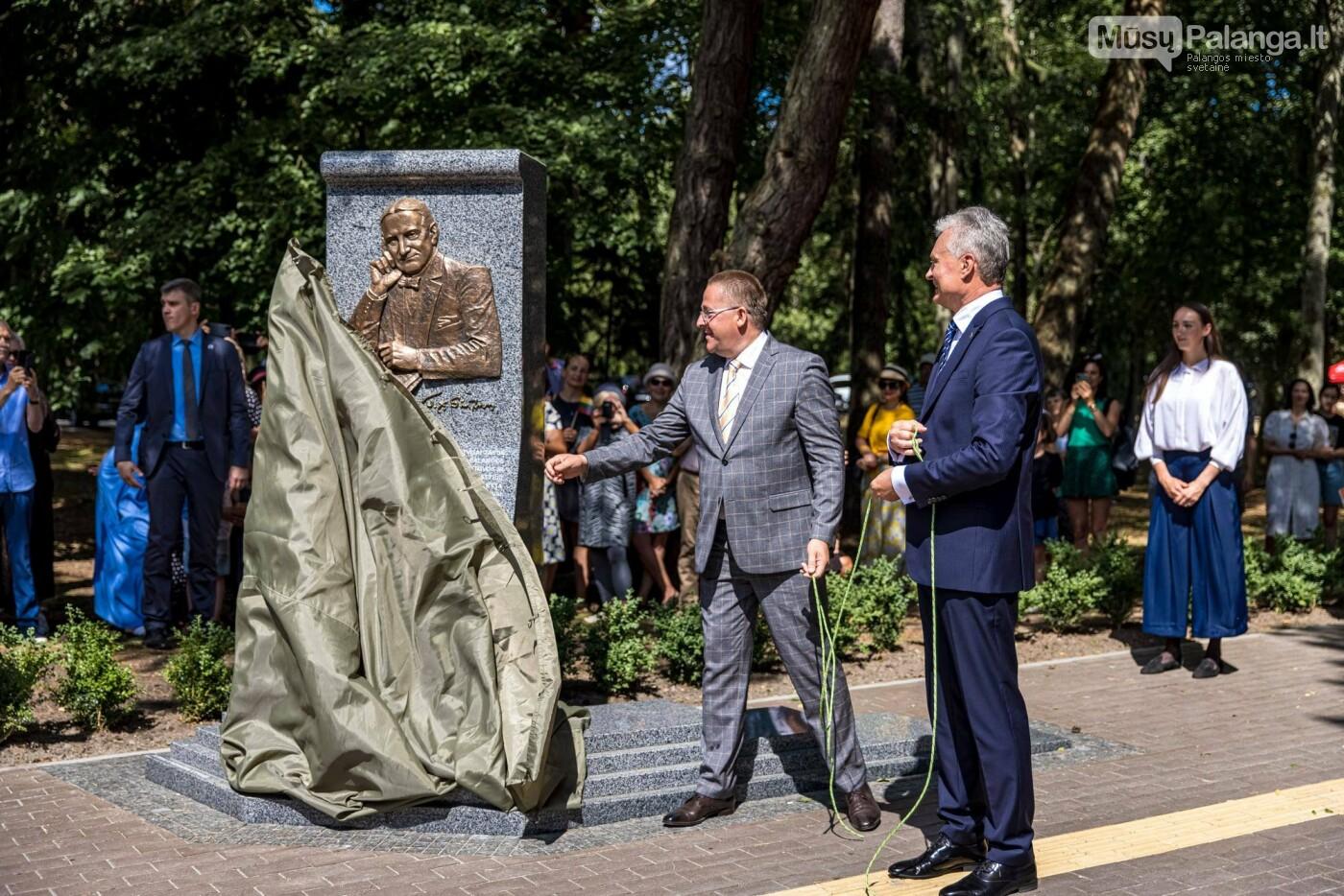 Skulptūros, skirtos Dž. J. Simpsonui ir Derybinei grupei dėl Palangos grąžinimo Lietuvai įamžinti, atidarymas, nuotrauka-27