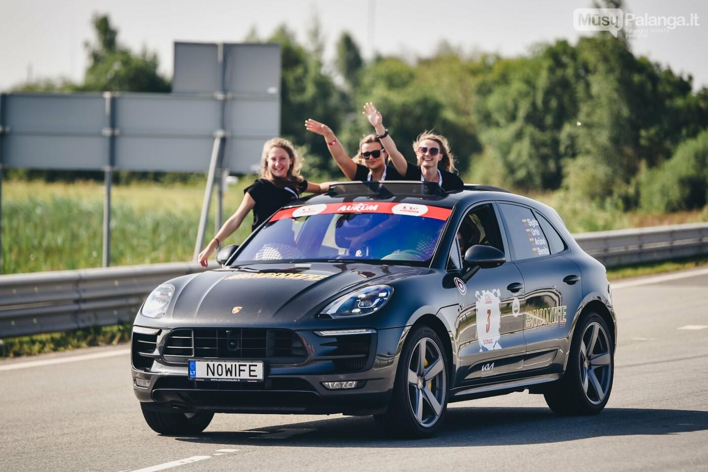 Žiūrovus žavėjo kilometrinė moterų iššūkio dalyvių kolona, nuotrauka-1, Vytauto PILKAUSKO ir Arno STRUMILOS nuotraukos