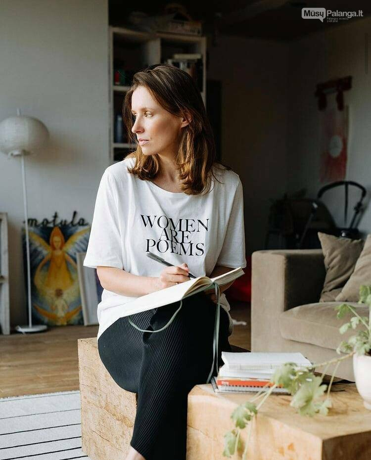 """""""Women are Poems"""" idėjos autorė, kūrybininkė Ieva Juodelytė"""