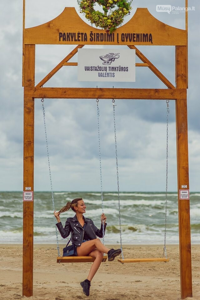 Palangoje – įspūdingos sūpynės ant jūros kranto, nuotrauka-2