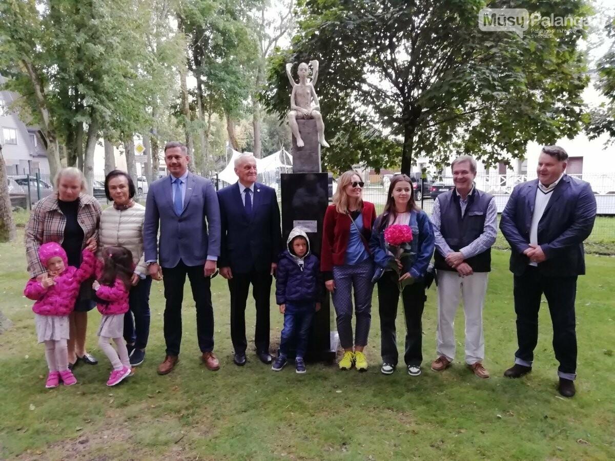 """Penktadienį Palangos skulptūrų parke pristatyta skulptūra """"Angelas"""", nuotrauka-4"""