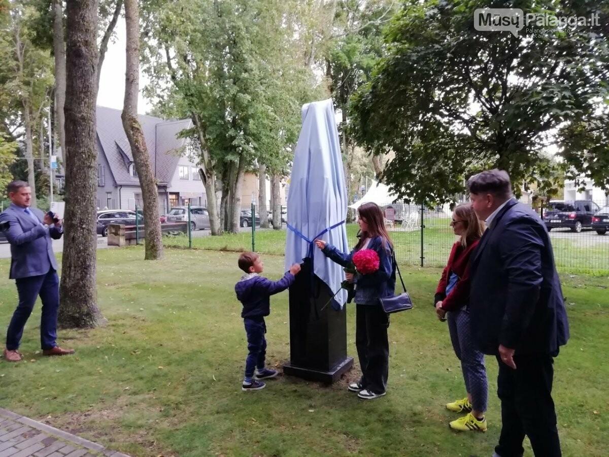 """Penktadienį Palangos skulptūrų parke pristatyta skulptūra """"Angelas"""", nuotrauka-2"""