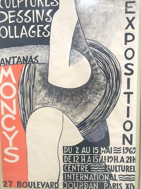 Vienas iš A. Mončio sukurtų plakatų, eksponuojamų Grūšlaukės bibliotekoje