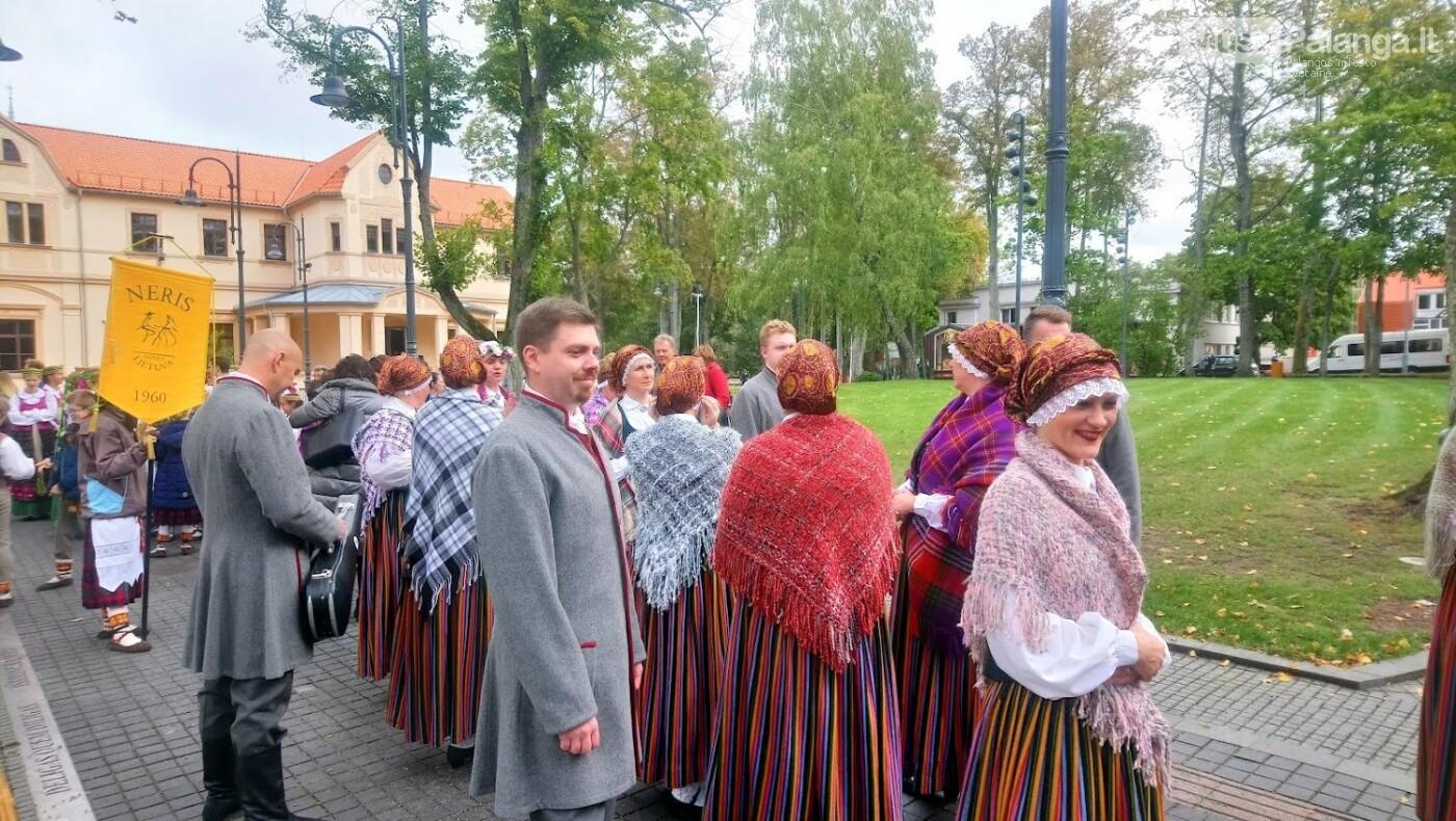 Savaitgalį šokio judesy mirgės įvairių pasaulio tautų rūbai, nuotrauka-2