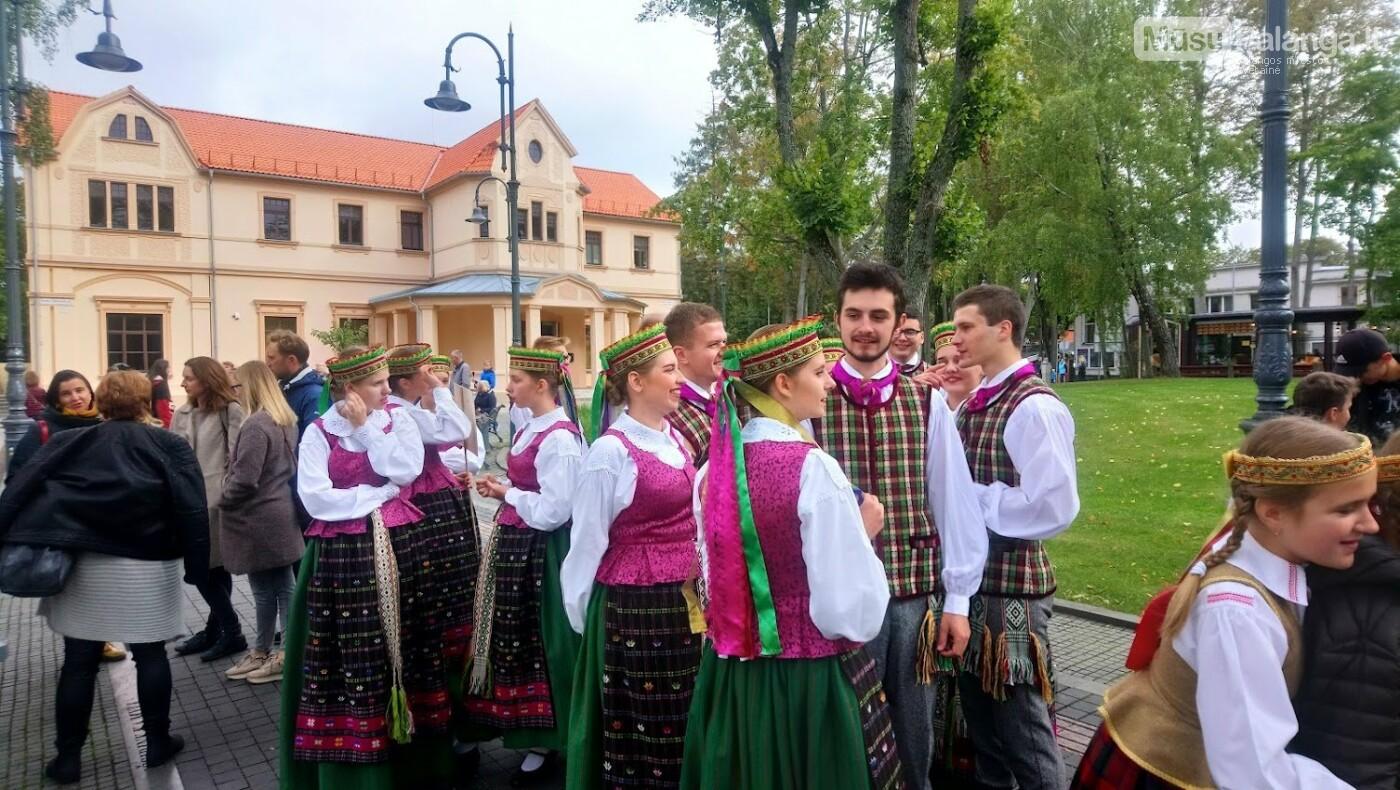 Savaitgalį šokio judesy mirgės įvairių pasaulio tautų rūbai, nuotrauka-8