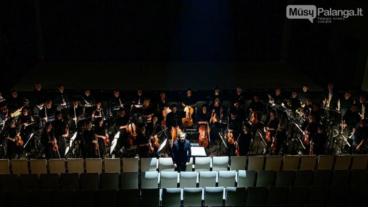 KVMT orkestras ir dirigentas Robertas Šervenikas., M.Aleksos nuotr,
