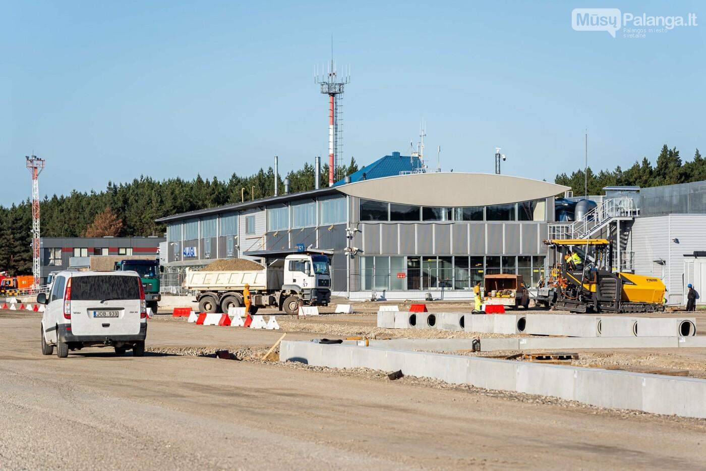Palangos oro uosto rekonstrukcijoje - tarpinis finišas: baigti kilimo-tūpimo tako asfaltavimo darbai, nuotrauka-10