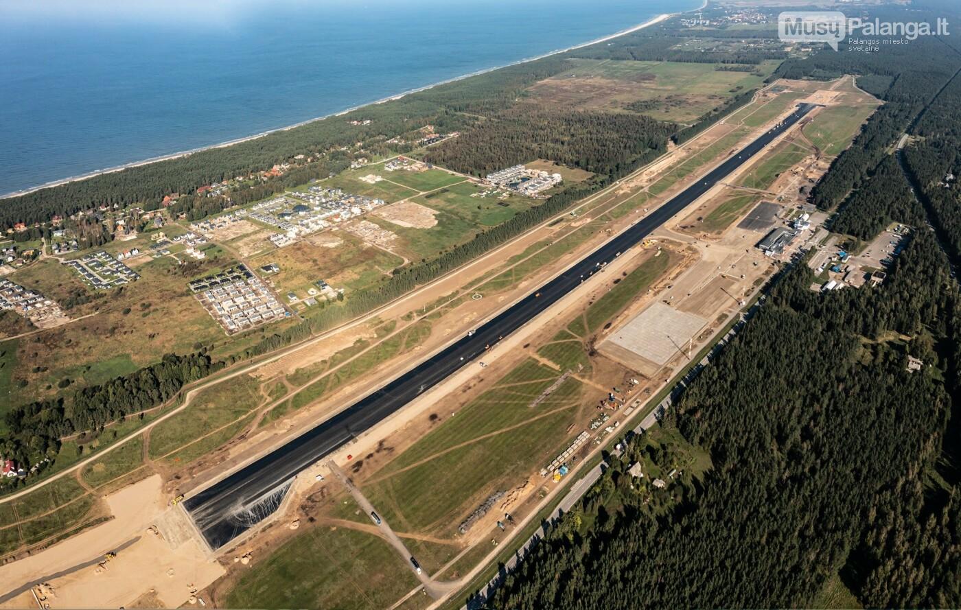 Palangos oro uosto rekonstrukcijoje - tarpinis finišas: baigti kilimo-tūpimo tako asfaltavimo darbai, nuotrauka-8