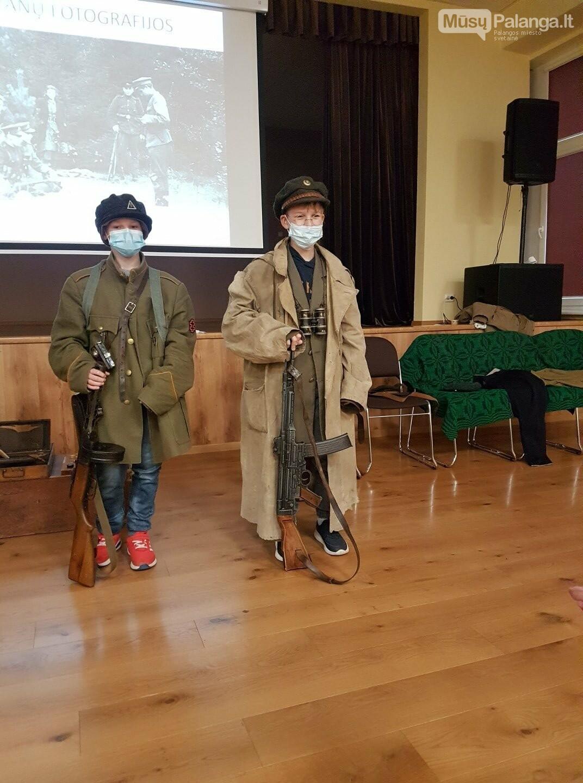 """""""Baltijos"""" pagrindinės mokyklos penktokai dalyvavo edukacijoje """"Miško brolių takais"""", nuotrauka-3"""