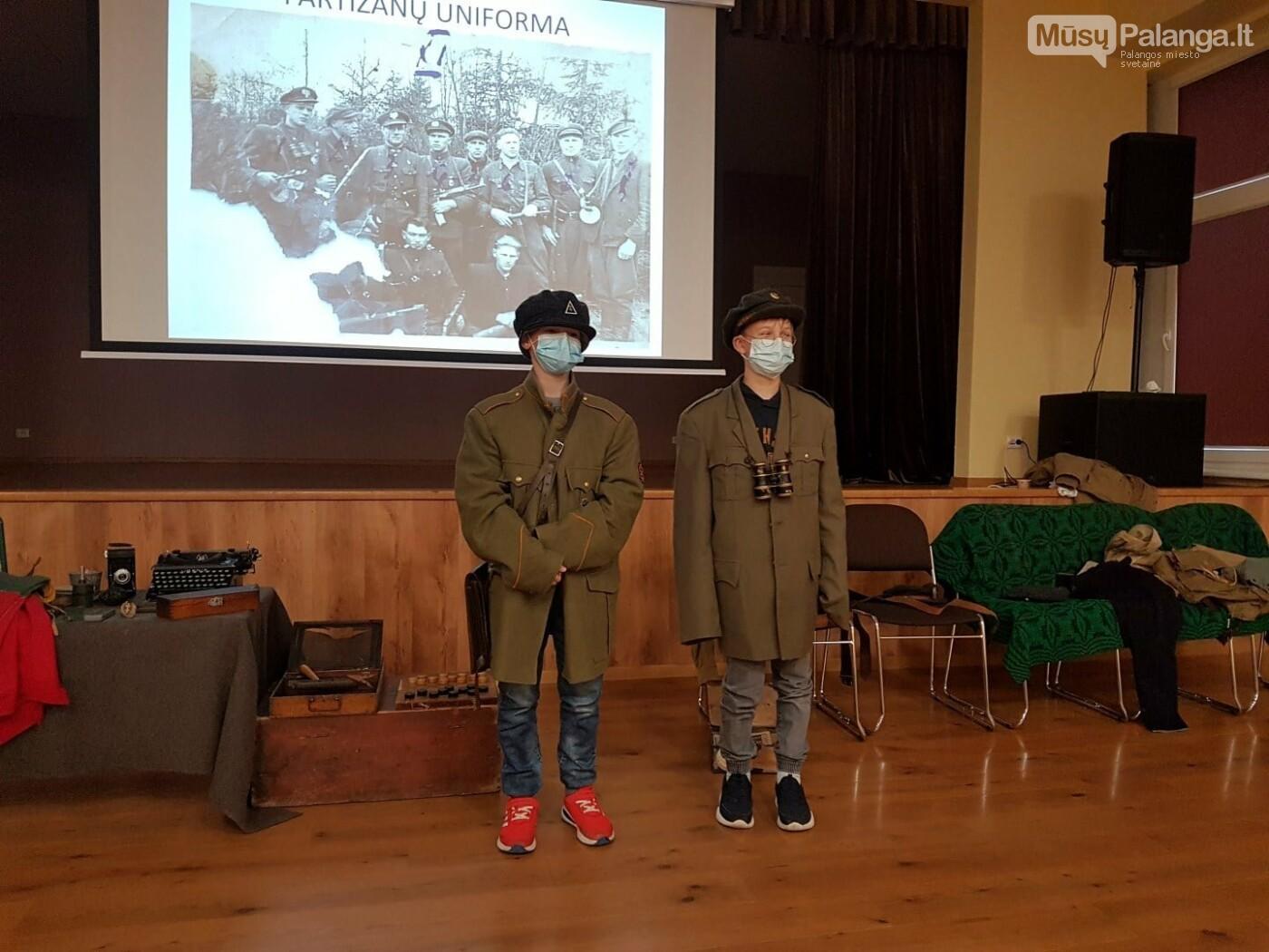 """""""Baltijos"""" pagrindinės mokyklos penktokai dalyvavo edukacijoje """"Miško brolių takais"""", nuotrauka-4"""