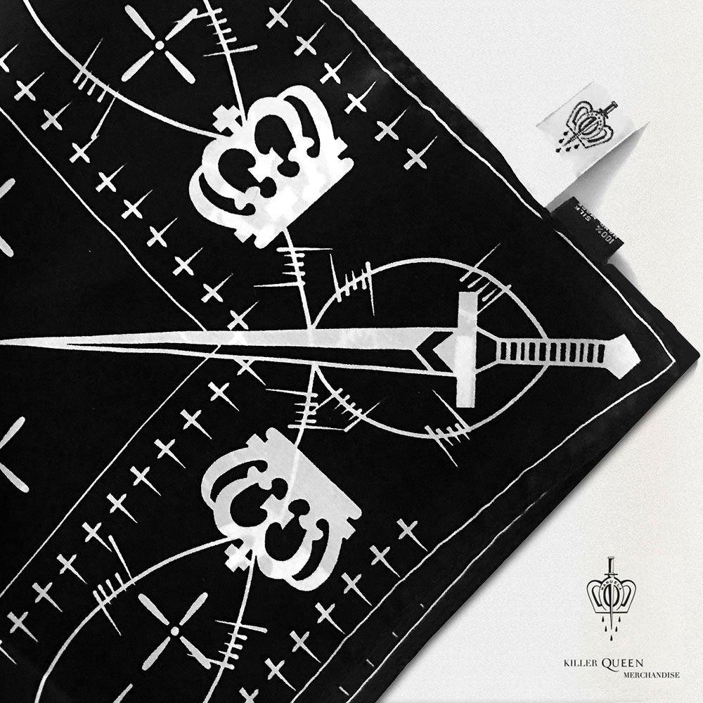 """Grupė """"Queen"""" ir garsi tatuiruočių meistrė pristatė išskirtinio dizaino kolekciją, nuotrauka-13"""