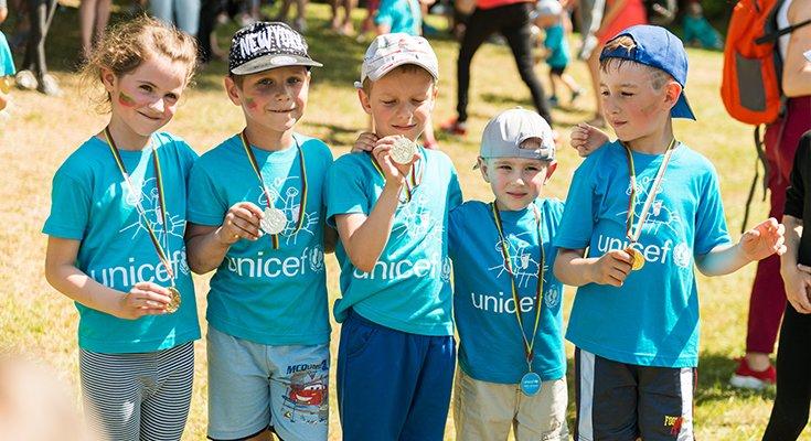Pajūryje praūžė UNICEF vaikų bėgimai: dalyvių ir medalius teikusių žvaigždžių gausa , nuotrauka-3