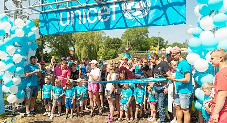 Pajūryje praūžė UNICEF vaikų bėgimai: dalyvių ir medalius teikusių žvaigždžių gausa , nuotrauka-5
