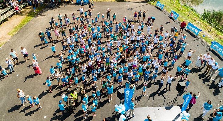 Pajūryje praūžė UNICEF vaikų bėgimai: dalyvių ir medalius teikusių žvaigždžių gausa , nuotrauka-4