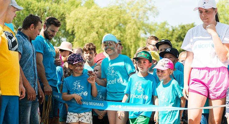 Pajūryje praūžė UNICEF vaikų bėgimai: dalyvių ir medalius teikusių žvaigždžių gausa , nuotrauka-2