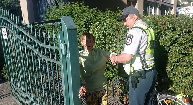Dviratininkė Aldutė plojo iš džiaugsmo: vietoj baudos – pareigūno palydos iki pat namų , nuotrauka-5