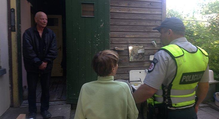 Dviratininkė Aldutė plojo iš džiaugsmo: vietoj baudos – pareigūno palydos iki pat namų , nuotrauka-3