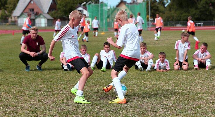 Talentingiausiems jauniesiems futbolininkams – stovykla su garsiais treneriais, nuotrauka-1