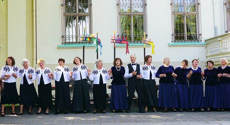 """Liūdėti nėra kada: kurorto senjorų šokių kolektyvas """"Jūrė"""" svečiavosi pas klaipėdiečius , nuotrauka-2"""