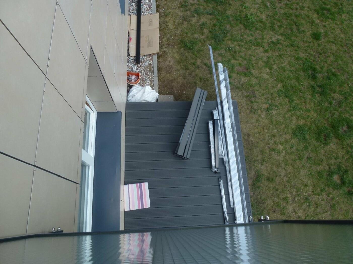 Kaimynų pasipiktinimą sukėlusi terasa: vieniems išsigelbėjimas, kitiems – baisus šašas, nuotrauka-3