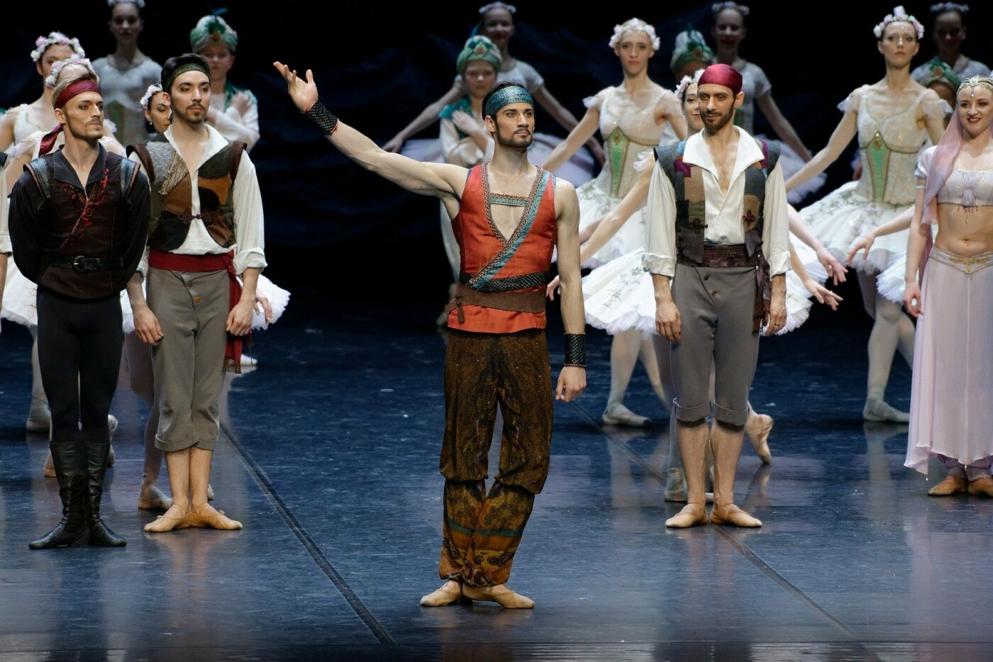 """Baleto šokėjas J.Laucius: """"Choreografas L.Massine – genijus, į kurio kiekvieną pastabą būtina įsiklausyti"""", nuotrauka-8"""