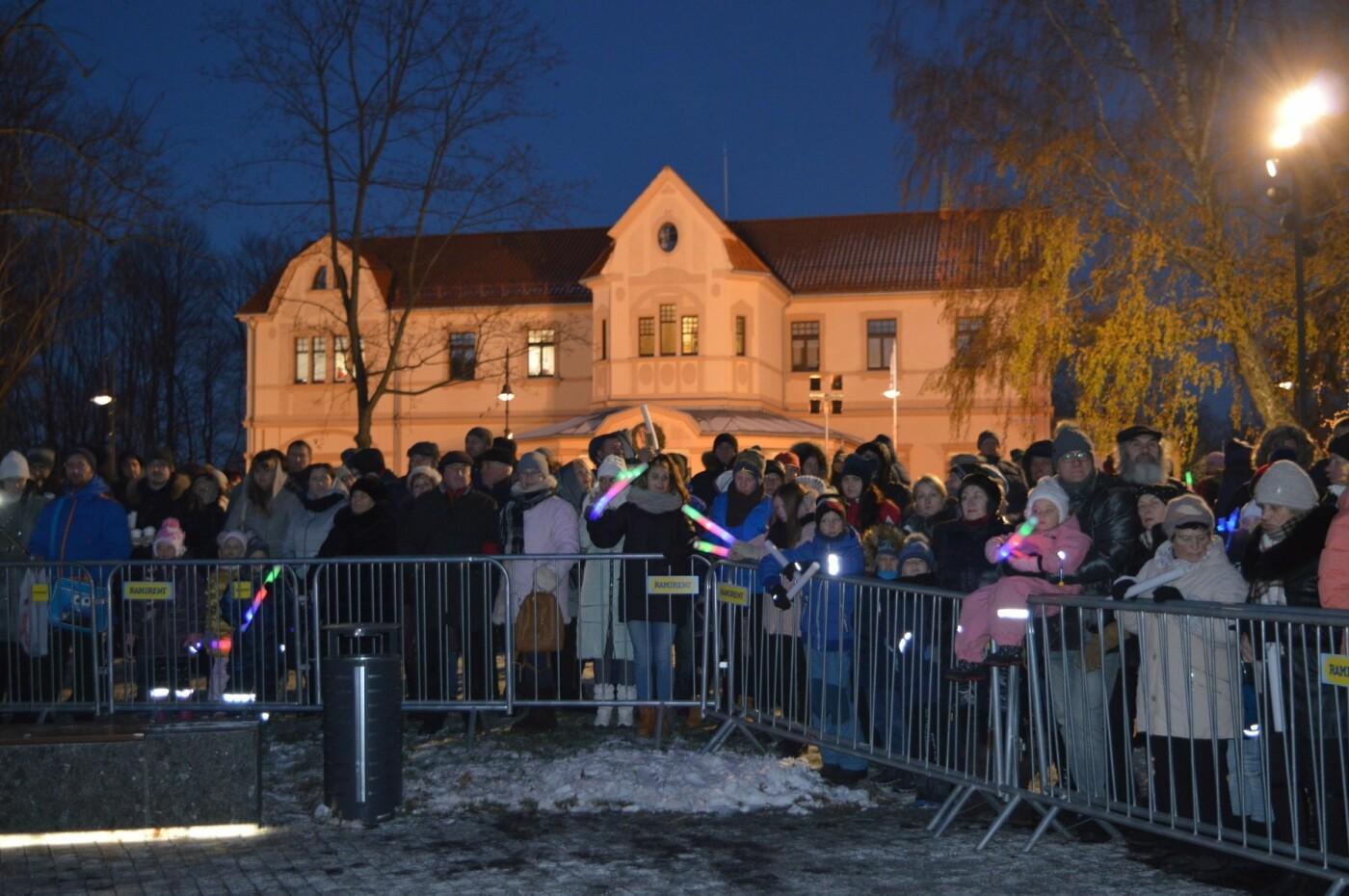 Palanga įžiebė eglę ir suspindo tūkstančiais kalėdinių šviesų, nuotrauka-26