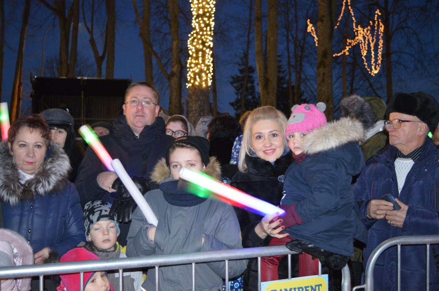 Palanga įžiebė eglę ir suspindo tūkstančiais kalėdinių šviesų, nuotrauka-27
