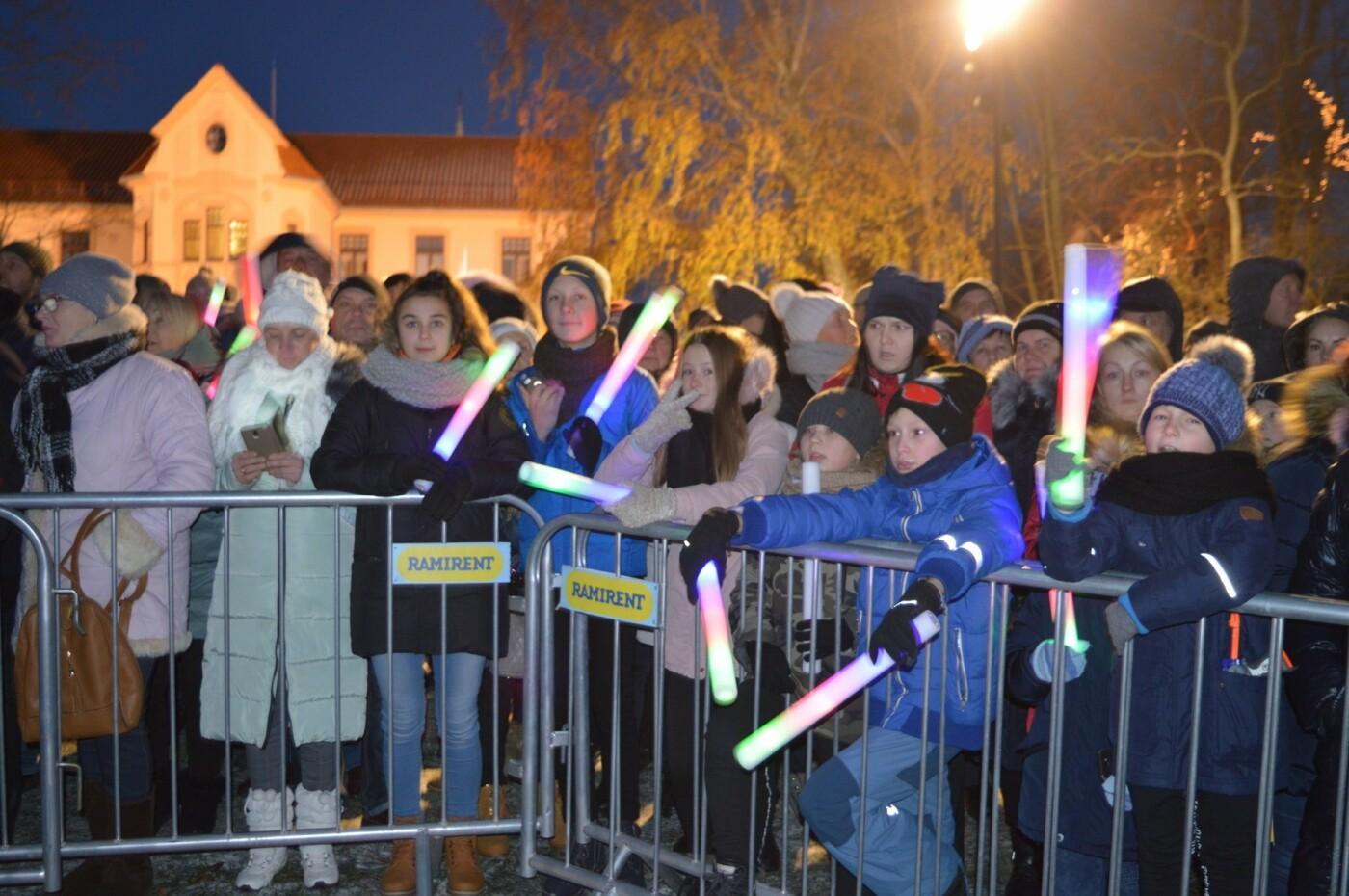 Palanga įžiebė eglę ir suspindo tūkstančiais kalėdinių šviesų, nuotrauka-24