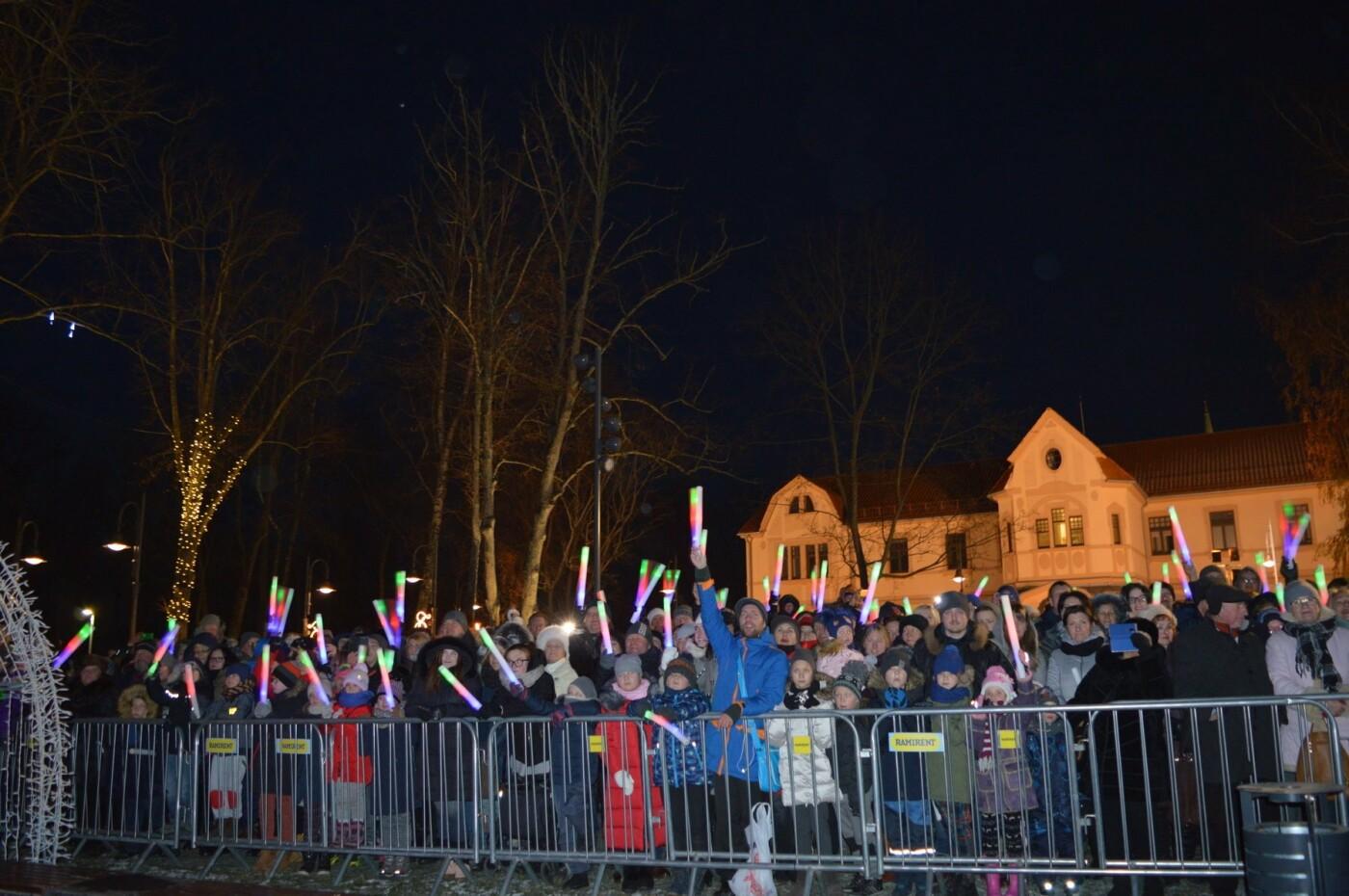 Palanga įžiebė eglę ir suspindo tūkstančiais kalėdinių šviesų, nuotrauka-29