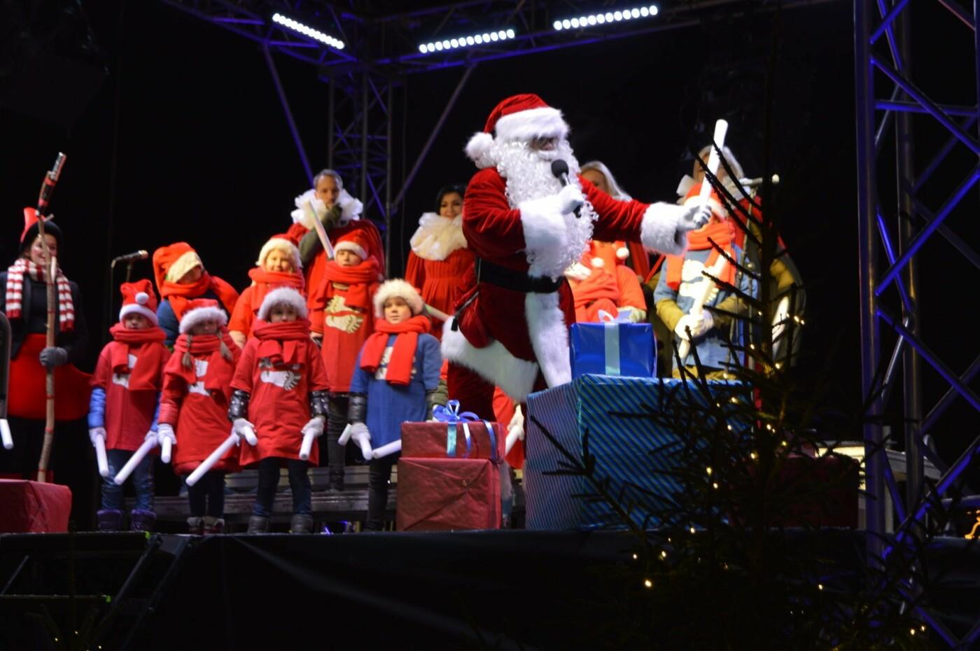 Palanga įžiebė eglę ir suspindo tūkstančiais kalėdinių šviesų, nuotrauka-7